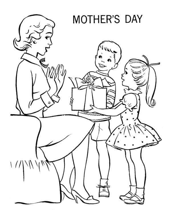 Mothers Day, : Give Mommy a Present on Mothers Day Coloring Page